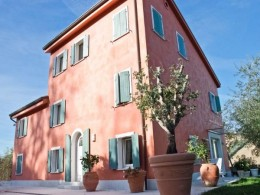 In the town of Fermo for sale independent villa