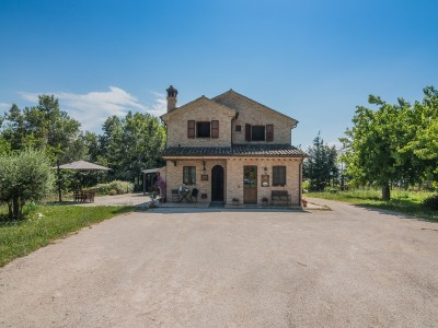 Properties for Sale_Restored Farmhouses _FARMHOUSE FOR SALE, AGRITURISTIC ACTIVITY, RECEPTIVE TOURIST STRUCTURE in Petritoli in the Marche region in Italy in Le Marche_1