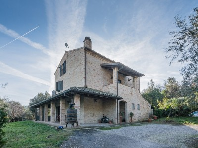 AGRITURISMO FOR SALE IN TORRE DI PALME IN THE MARCHE ITALY  in Le Marche_1