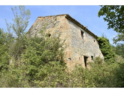 Properties for Sale_FARMHOUSE TO BE RESTORED FOR SALE IN MONTEFIORE DELL'ASO, IMMERSED IN THE ROLLING HILLS OF THE MARCHE , in the Marche region of Italy in Le Marche_1