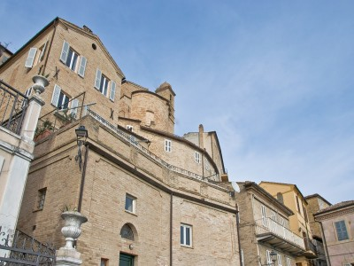 APARTMENT WITH PANORAMIC FOR SALE IN LE MARCHE PROPERTY IN THE HISTORIC CENTER IN ITALY. in Le Marche_1
