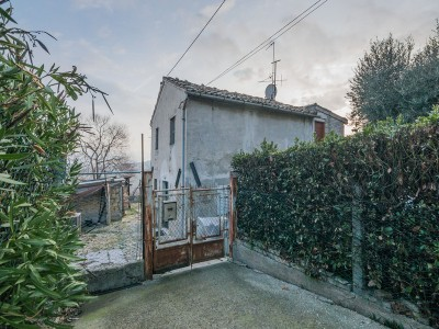 Properties for Sale_Farmhouses to restore_SMALL FARMHOUSE TO RENOVATE FOR SALE in Fermo in the Marche region in Italy in Le Marche_1