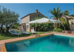BEAUTIFUL TYPICAL HOUSE RENOVATED FOR SALE IN THE MARCHE, in Italy, restored farmhouse with pool and garden