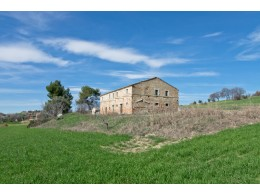 FARMHOUSE TO BE RESTRUCTURED FOR SALE AT FERMO in the Marche in Italy