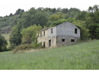 Properties for Sale_Farmhouses to restore_FARMHOUSE TO BE RESTORED FOR SALE IN THE MARCHE REGION, NESTLED IN THE ROLLING HILLS OF THE MARCHE in the municipality of Montefiore dell'Aso in Italy in Le Marche_1