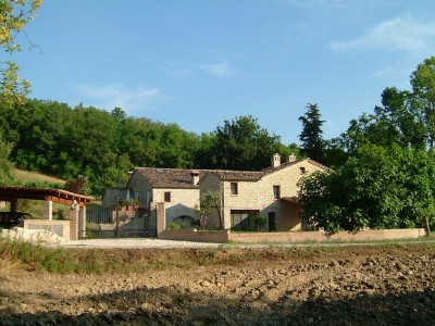 Properties for Sale_Restored Farmhouses _Farmhouse Il Molino in Le Marche_1