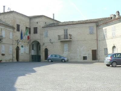 Properties for Sale_Townhouses to restore_Il Palazzetto sulla Piazza in Le Marche_1