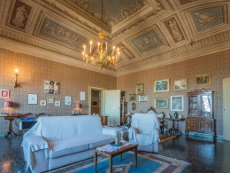 APARTMENT HABITABLE FOR SALE IN THE HISTORIC CENTER OF FERMO WITH FRESCOES, GARDEN AND GARAGE