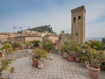 Properties for Sale_Townhouses to restore_APARTMENT IN THE HISTORIC CENTER OF FERMO WITH TERRACES in Le Marche_1