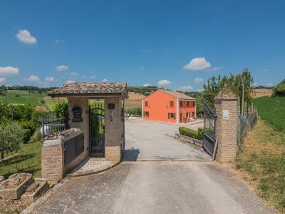 VILLA FOR SALE IN MAGLIANO DI TENNA IN THE MARCHE REGION with panoramic view is located in a beautiful area of Magliano di Tenna, province of the Marche Region ,Italy in Le Marche_1