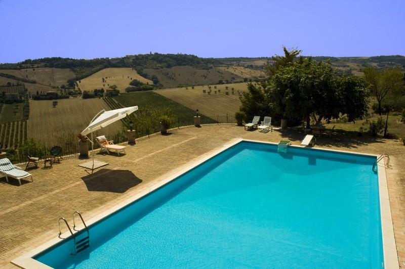 Villa Mare Con Piscina In Vendita Nelle Marche