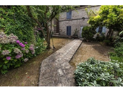 APARTMENT WITH GARDEN IN THE HISTORIC CENTER OF FERMO in the Marches in Italy in Le Marche_1