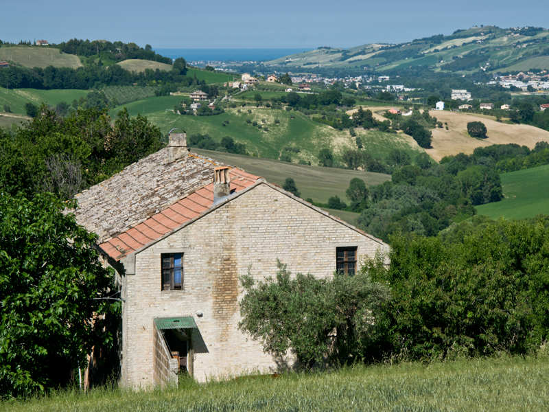 Old farmhouse with sea view for sale in Le Marche Country house to restore wi