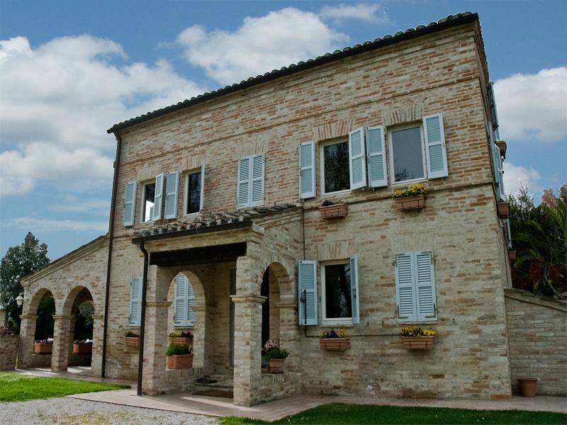 Casa colonica il roseto in vendita nelle marche - Casali antichi ristrutturati ...