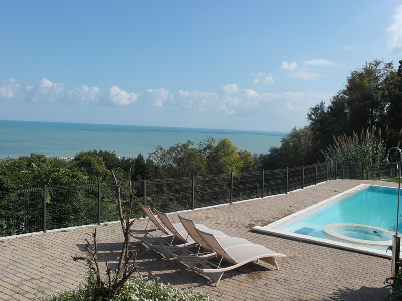 Villa with swimming pool il balcone sul mare in le marche 7