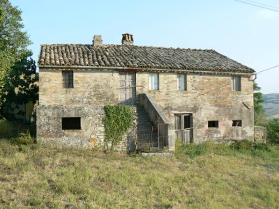 Properties for Sale_Farmhouses to restore_Monte Leone in Le Marche_1