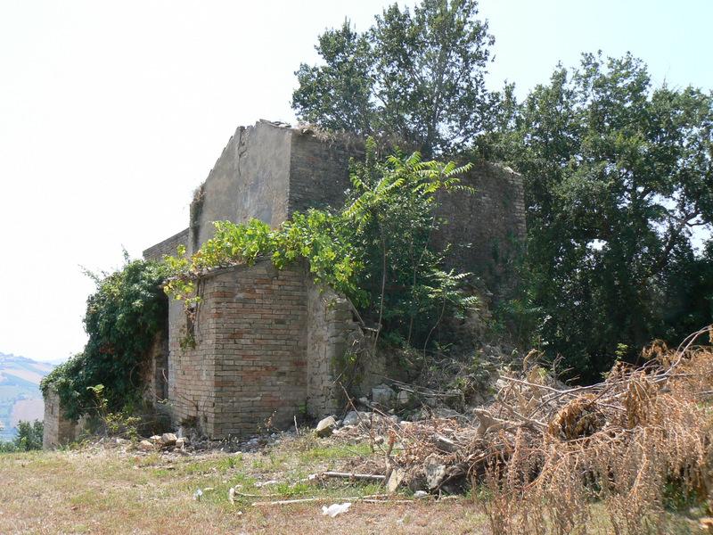 Casa colonica la torre da ristrutturare in vendita nelle marche - Acquisto casa da ristrutturare ...