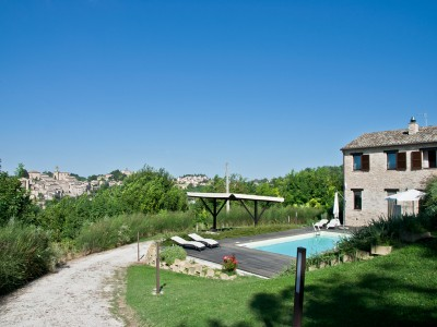 Search_LUXURY COUNTRY HOUSE  WITH POOL FOR SALE IN LE MARCHE Restored farmhouse in Italy in Le Marche_1