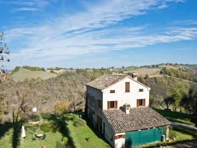 Properties for Sale_COUNTRY HOUSE WITH GARDEN AND POOL FOR SALE IN LE MARCHE Restored property in Italy in Le Marche_1