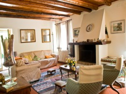 RESTORED FARMHOUSE FOR SALE IN FERMO Country house with dependance and olive grove in Le Marche
