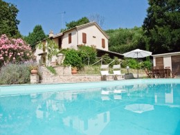 Restored farmhouse for sale in Le Marche - Le Margherite