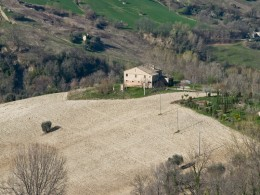 COUNTRY HOUSE WITH LAND FOR SALE IN LE MARCHE Farmhouse to restore with panoramic view in Italy