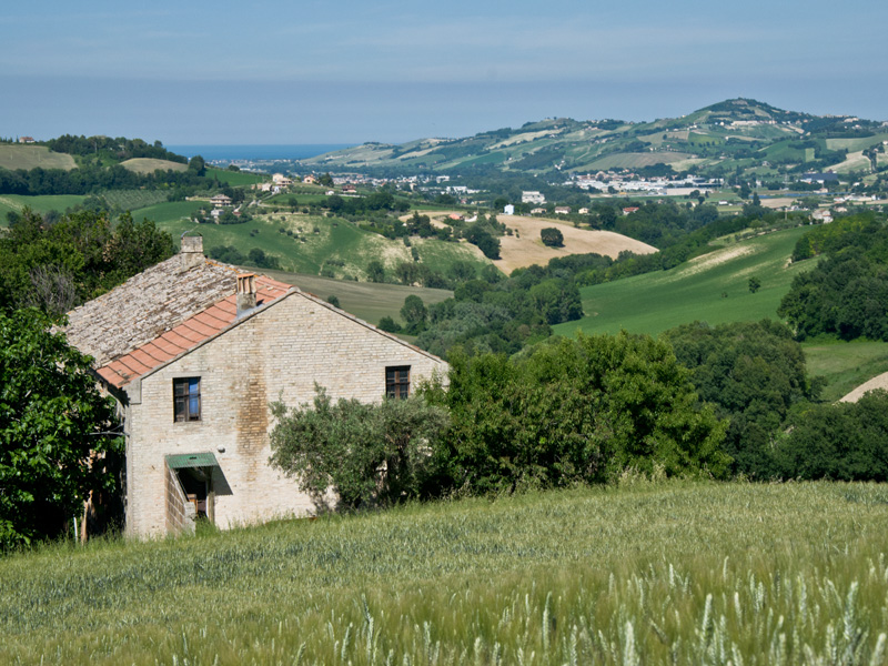Old Italian Country Houses Old farmhouse w...