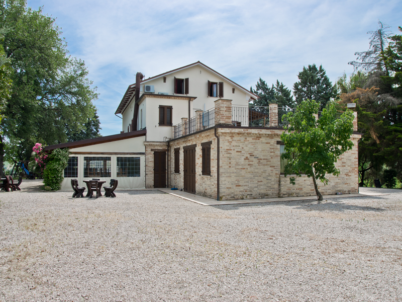 Red Country House With Pool For In Le Marche Property Land And Tourist Activity